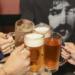 腰痛はアルコール摂取で悪化する!?その原因とは?